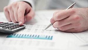 Открытие счета в банке дает определенные удобства